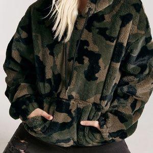 Army faux fur hoodie never worn hoodie